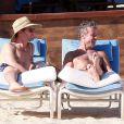 Matt Bomer et son boyfriend Simon Halls à Los Cabos pour les 50 ans de ce dernier le 18 janvier 2014.