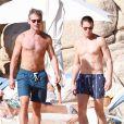 Matt Bomer et son boyfriend Simon Halls à Los Cabos (Mexique) pour les 50 ans de ce dernier le 18 janvier 2014.