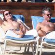 Matt Bomer et son compagnon Simon Halls à Los Cabos pour les 50 ans de ce dernier le 18 janvier 2014.
