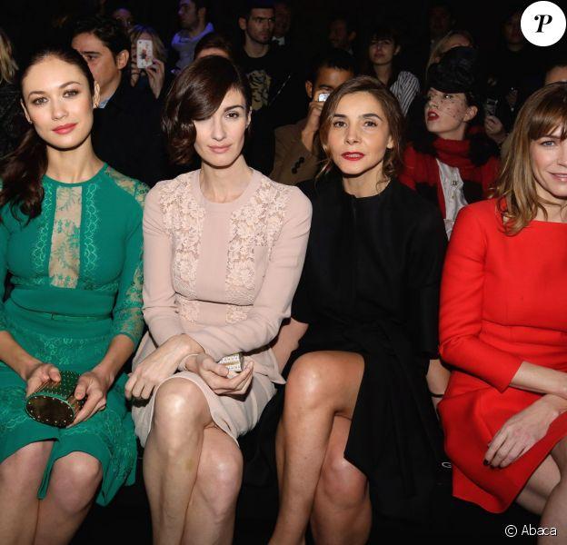 Olga Kurylenko, Paz Vega, Clotilde Courau et Marie-Josee Croze assises au premier rang du Défilé Elie Saab Haute Couture printemps/été 2014 organisé à Paris le 22 janvier 2014