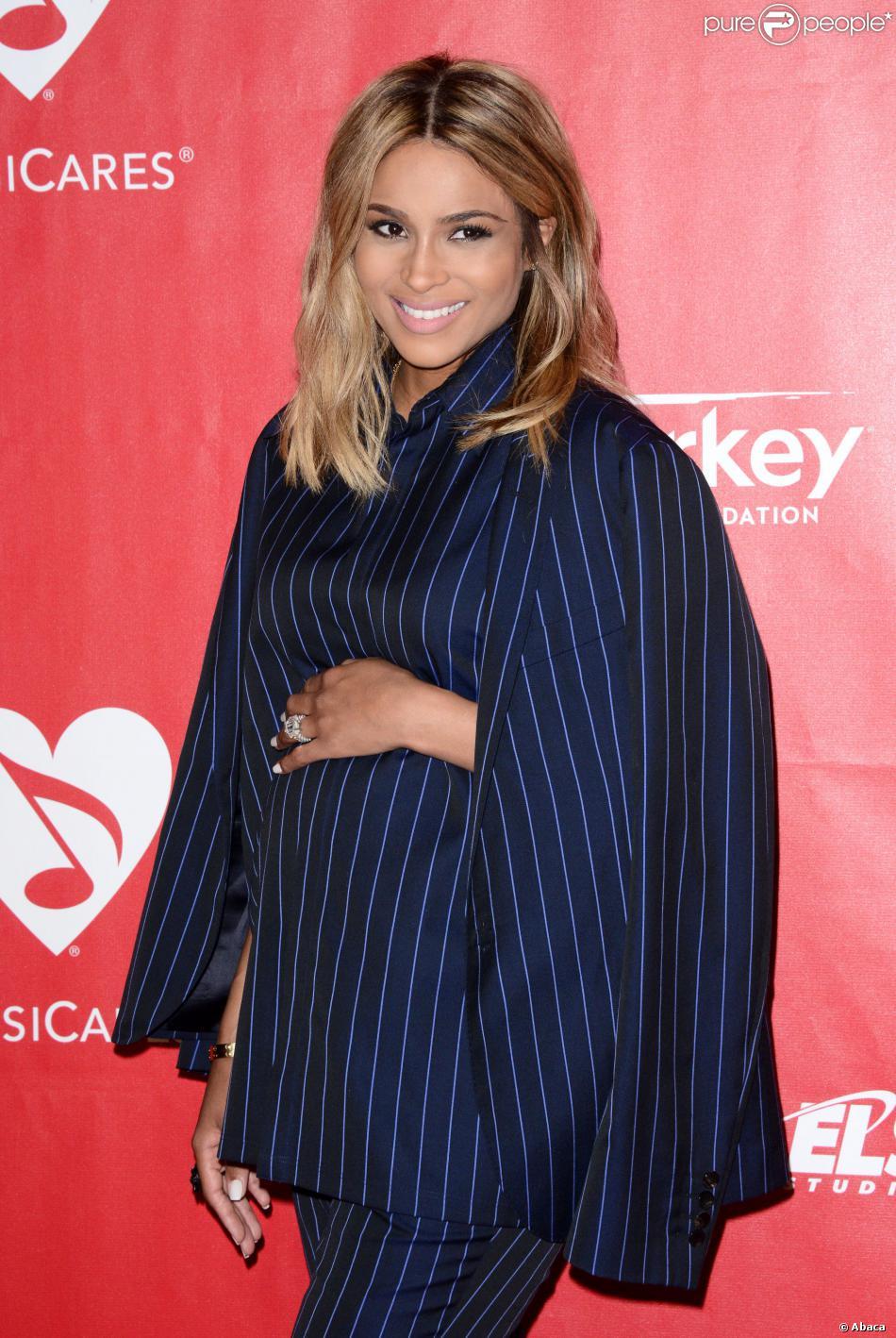 Ciara (enceinte) lors du gala MusiCares Person of the year à Los Angeles, le 24 janvier 2014.