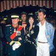 Michel Aumont, Anémone et Thierry Lhermitte lors de l'avant-première du film Le Mariage du siècle à Paris le 9 octobre 1985