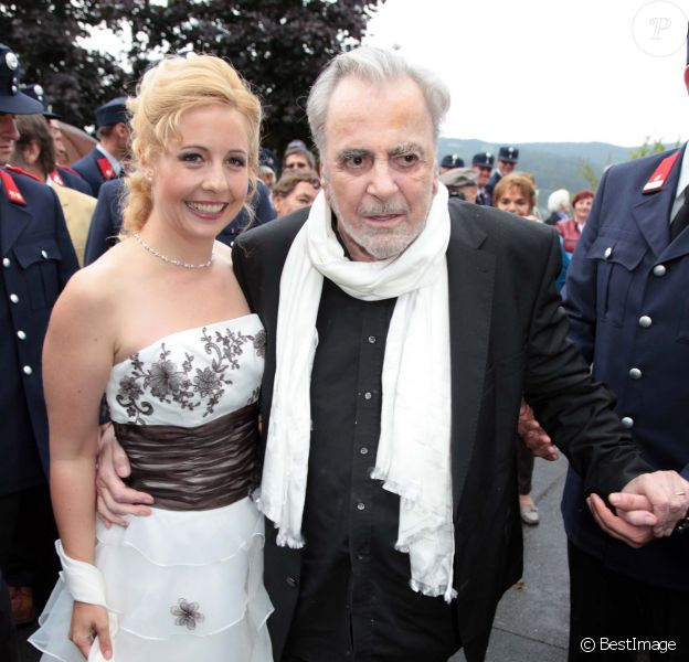 Maximilian Schell et Iva Mihanovic lors de leur mariage en Autriche à Kaernten le 20 août 2013