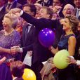 La princesse Beatrix, aux anges avec sa famille. La princesse Beatrix des Pays-Bas recevait le 1er février 2014 au Ahoy de Rotterdam, en présence de son héritier le roi Willem-Alexander et de la reine Maxima ainsi que de l'ensemble de la famille royale, un vibrant hommage en marque de gratitude pour ses 33 ans de règne, de 1980 à son abdication le 30 avril 2013 au profit de son fils Willem-Alexander.