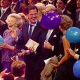 La princesse Beatrix des Pays-Bas, avec le Premier ministre Mark Rutte à ses côtés, recevait le 1er février 2014 au Ahoy de Rotterdam, en présence de son héritier le roi Willem-Alexander et de la reine Maxima ainsi que de l'ensemble de la famille royale, un vibrant hommage en marque de gratitude pour ses 33 ans de règne, de 1980 à son abdication le 30 avril 2013 au profit de son fils Willem-Alexander.