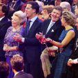 La princesse Beatrix, le premier ministre des Pays-Bas Mark Rutte, le roi Willem-Alexander et la reine Maxima dans l'ambiance ! La princesse Beatrix des Pays-Bas recevait le 1er février 2014 au Ahoy de Rotterdam, en présence de son héritier le roi Willem-Alexander et de la reine Maxima ainsi que de l'ensemble de la famille royale, un vibrant hommage en marque de gratitude pour ses 33 ans de règne, de 1980 à son abdication le 30 avril 2013 au profit de son fils Willem-Alexander.
