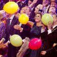 Pluie de ballons sur la princesse Beatrix, le premier ministre Mark Rutte, le roi Willem-Alexander, la reine Maxima, le prince Constantijn, la princesse Laurentien et la princesse Mabel. La princesse Beatrix des Pays-Bas recevait le 1er février 2014 au Ahoy de Rotterdam, en présence de son héritier le roi Willem-Alexander et de la reine Maxima ainsi que de l'ensemble de la famille royale, un vibrant hommage en marque de gratitude pour ses 33 ans de règne, de 1980 à son abdication le 30 avril 2013 au profit de son fils Willem-Alexander.