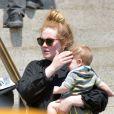 Adele et son fils Angelo à New York, le 27 juin 2013.