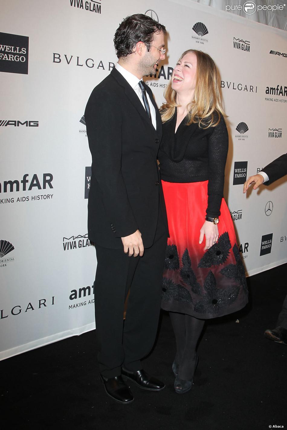Chelsea Clinton et Marc Mezvinsky au gala de l'amfAR en ouverture de la Fashion Week de New York, le 5 février 2014.