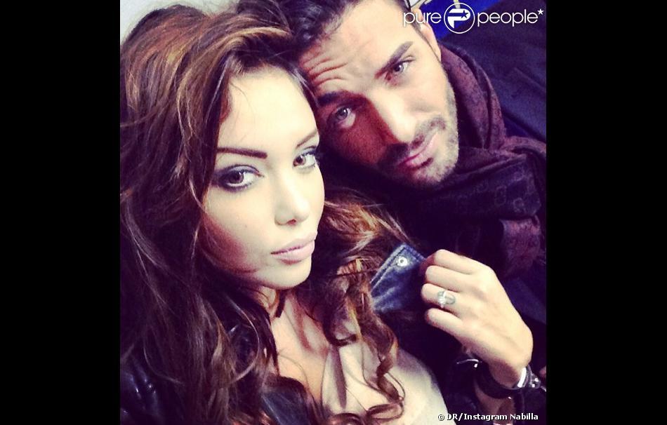 Nabilla dévoile sa somptueuse bague de fiançailles abev Thomas Vergara - le 9 février 2014