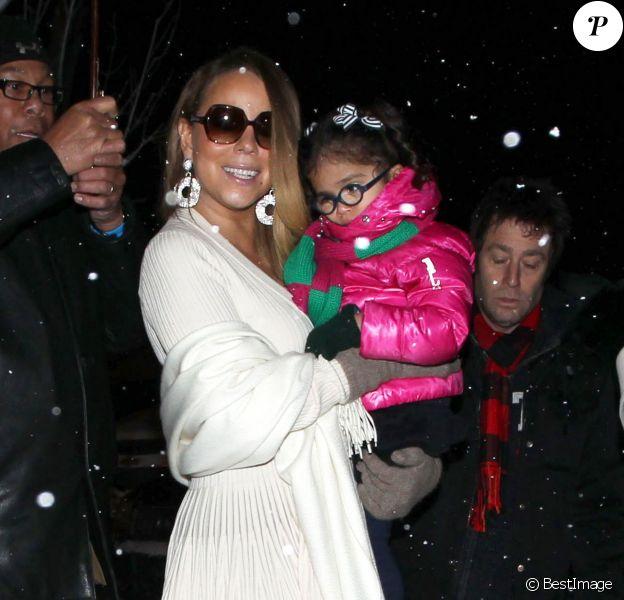 Mariah Carey et sa fille Monroe Cannon à Aspen, dans le Colorado, le 20 décembre 2013.