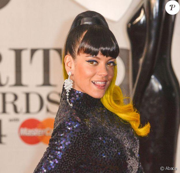 """Lily Allen à la cérémonie des """"Brit Awards 2014"""" à Londres, le 19 février 2014."""