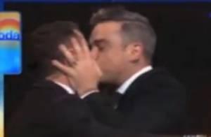 Robbie Williams : French Kiss inattendu à un animateur australien !