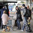 Exclusif - Courteney Cox arrive à Venise avec sa fille Coco Arquette et son petit ami Johnny McDaid le 15 février 2014.
