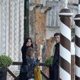 Exclusif - Courteney Cox se promène avec sa fille Coco Arquette et son petit ami Johnny McDaid à Venise en Italie, le 16 février 2014.