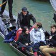 Courteney Cox avec sa fille Coco et son petit ami Johnny McDaid sur une gongole à Venise en Italie le 20 février 2014.