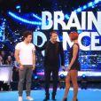 La danseuse Fauve Hautot et Kev Adams dans Vendredi tout est permis, le 21 février 2014 sur TF1.