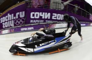 Steven Holcomb : Le champion de bobsleigh s'ouvre sur sa tentative de suicide