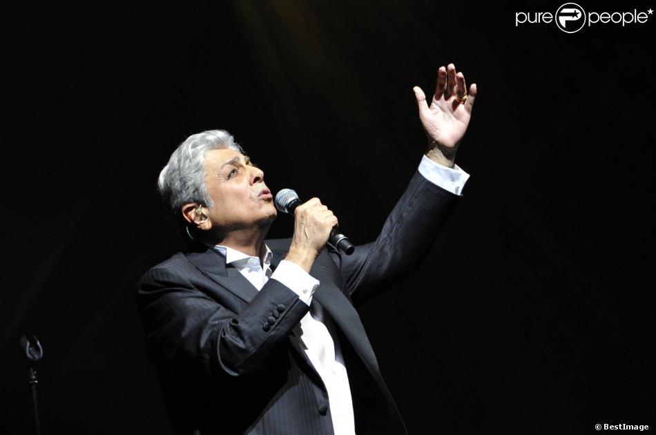 Exclusif - Enrico Macias fête ses 50 ans de carrière lors d'un concert exceptionnel sur la scène de l'Olympia à Paris le 22 Janvier 2013