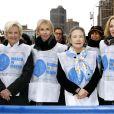 Kim Cattrall participe à la marche contre les violences faites aux femmes, à New York, le vendredi 7 mars 2014.