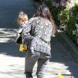 Kourtney Kardashian et sa fille Penelope à Beverly Hills, le 8 mars 2014.