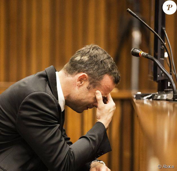 Oscar Pistorius effondré au tribunal de Pretoria le 6 mars 2014