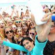Sara Sampaio anime la Spring Break Beach Party de Victoria's Secret PINK, sur une plage de Destin en Floride. Le 13 mars 2014.