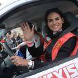 Maud Garnier et Laetitia Bléger lors du départ de la 24ème édition du Rallye Aïcha des Gazelles du Maroc au Trocadéro à Paris, le 15 mars 2014.