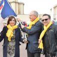 Danièle Evenou, Philippe Wahl (président du groupe La Poste) et Jean-Marc Généreux lors du départ de la 24ème édition du Rallye Aïcha des Gazelles du Maroc au Trocadéro à Paris, le 15 mars 2014.