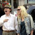 Le réalisateur Woody Allen sur le tournage de Vicky Cristina Barcelona avec Scarlett Johansson à Oviedo en Espagne le 3 août 2007