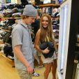 Lindsay Lohan et son frère Cody à Huntington Beach, Los Angeles, le 10 août 2012.