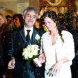 Andrea Bocelli et Veronica Berti, sa compagne depuis 2002, ont célébré leur mariage dans l'intimité au sanctuaire de Montenero, à Livourne, en Italie, le 21 mars 2014. Leur petite Virginia, 2 ans, était présente et portait les alliances, tandis qu'Amos et Matteo, les fils issus du premier mariage du ténor, étaient chargés de faire des lectures lors de la cérémonie.
