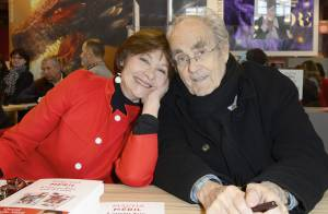 Macha Méril et Michel Legrand fiancés : Pause tendresse au Salon du livre