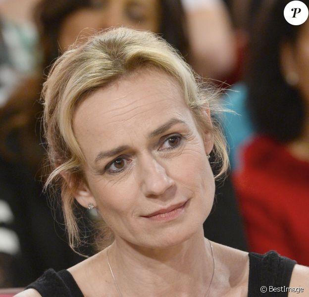 """Sandrine Bonnaire - Enregistrement de l'émission """"Vivement Dimanche"""" à Paris le 14 mars 2014. L'émission sera diffusée ce dimanche 16 Mars."""