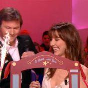 Doria Tillier : Un anniversaire sexy au milieu de strip-teaseurs...