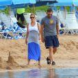 Steve Carell avec sa femme Nancy et leurs deux enfants John et Elisabeth à Maui, Hawaï, le 30 mars 2014.