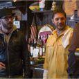 Tom Hardy pendant le tournage du film The Drop, avec Michaël R. Roskam et James Gandolfini.