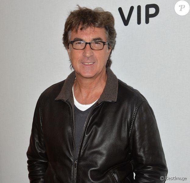 """François Cluzet lors de l'inauguration de l'exposition """"Art Paris Art Fair"""" au Grand Palais à Paris le 26 mars 2014"""
