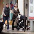 Exclusif - La princesse Madeleine de Suède, son mari Chris O'Neill et leur fille Leonore se promènent dans les rue de New York le 29 mars 2014.