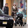 Exclusif - La princesse Madeleine de Suède, son mari Chris O'Neill et leur fille se promènent dans les rue de New York le 29 mars 2014.
