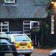 La police arrive au domicile de Peaches Geldof à Wrotham dans le Kent, le 7 avril 2014.