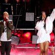 Rihanna et Eminem sur la scène des MTV Movie Awards à Los Angeles, le 13 avril 2014.