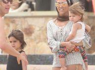 Kourtney Kardashian : En bikini, elle assume son corps de maman radieuse !