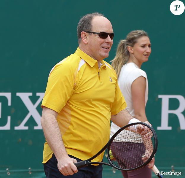 Le prince Albert II de Monaco et Tatiana Golovin à l'entraînement pour un match en double lors du Tennis Rolex Masters de Monte Carlo à Monaco le 19 avril 2014