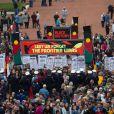 Des milliers de personnes étaient rassemblées pour l'Anzac Day, auquel Kate Middleton et le prince William ont pris part au mémorial national de Canberra, le 25 avril 2014, au dernier jour de leur tournée en Australie.