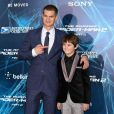 Andrew Garfield et Max Charles à la première de The Amazing Spider-Man 2 au Ziegfeld Theater de New York, le 24 avril 2014.
