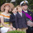 Le prince Laurent de Belgique et la princesse Claire avec leurs jumeaux Nicolas et Aymeric lors de la Fête nationale le 21 juillet 2012