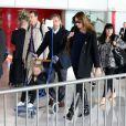 Arrivée de Nicolas Sarkozy, Carla-Bruni Sarkozy et leur fille Giulia à l'aéroport de Roissy le 30 avril 2014.