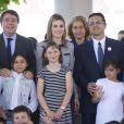 La princesse Letizia d'Espagne s'est rendu le 30 avril 2014 à l'école Maria Moliner de Villanueva de la Canada, à Madrid, dans le cadre de ses missions pour la FEDER, la Fédération espagnole des maladies rares.
