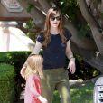 Jennifer Garner en compagnie de ses filles Violet et Seraphina à Brentwood Los Angeles, le 3 mai 2014